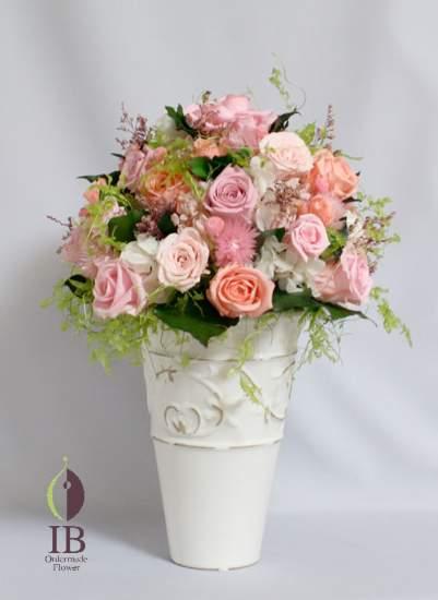 ブリザードクリスタルピンク・ベビーピンク・ブライダルピンクのバラ