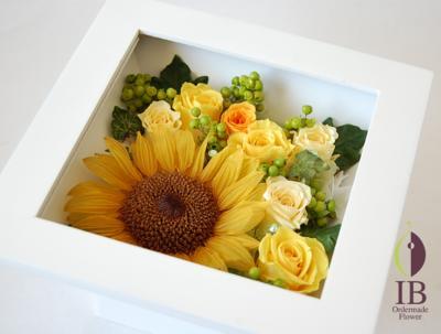 お花のアップ(スワロフスキークリスタルあり)