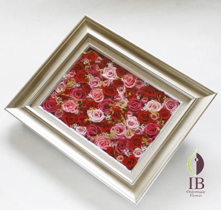 プリザードフラワー 赤いバラのフレーム装飾