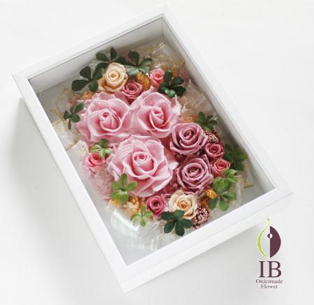 プリザードフラワー ピンクのバラのフレーム装飾