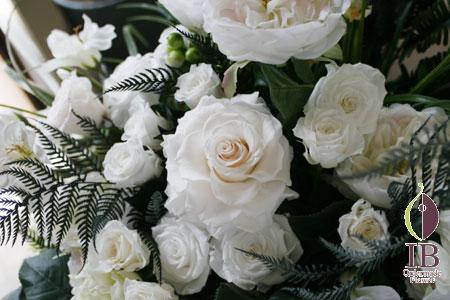 プリザーブドフラワー 白いお花のスタンド花