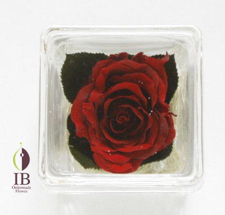 プリザ加工のバラの装飾 キュービックボックス