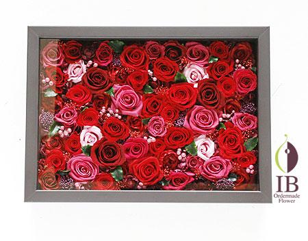 プリザーブドフラワ- 60輪のバラ フレーム装飾