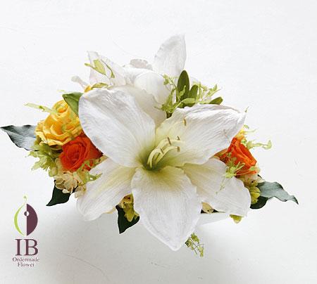 プリザーブド 誕生日 百合の花