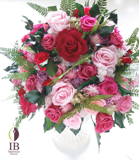 プリザーブドフラワー ピンクのバラのアレンジ
